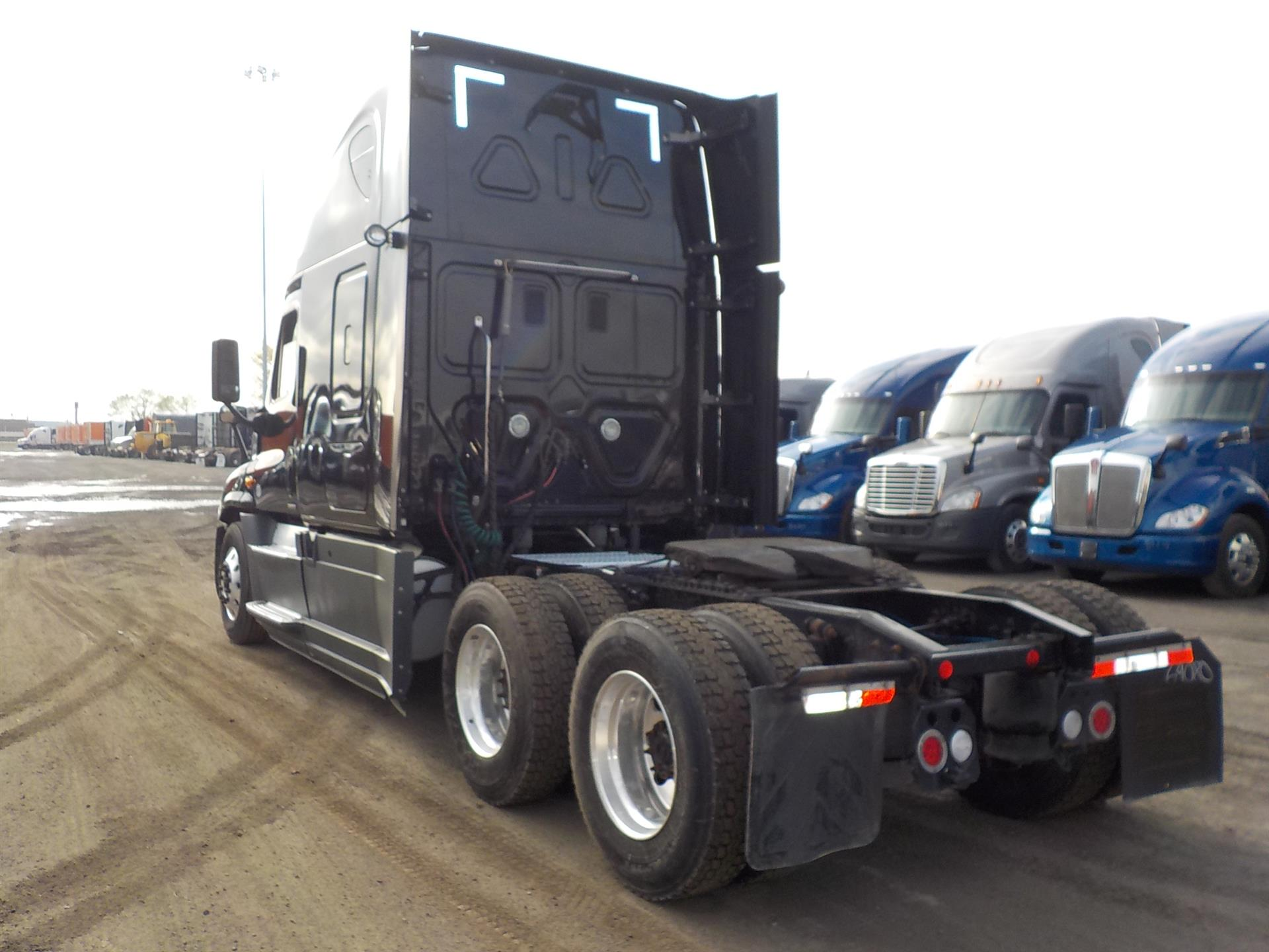 2015 Freightliner Cascadia for sale-59218328