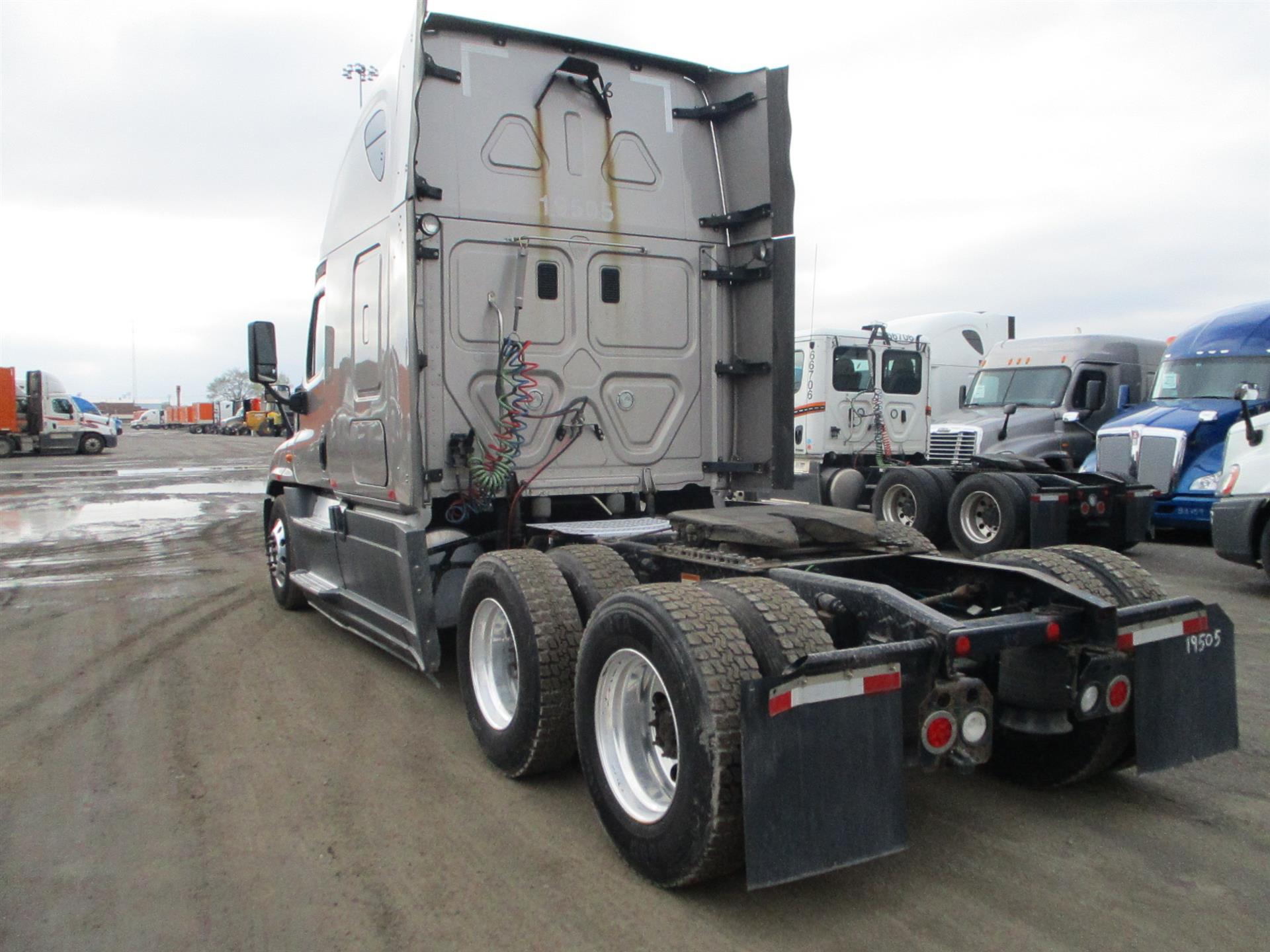 2015 Freightliner Cascadia for sale-59218325