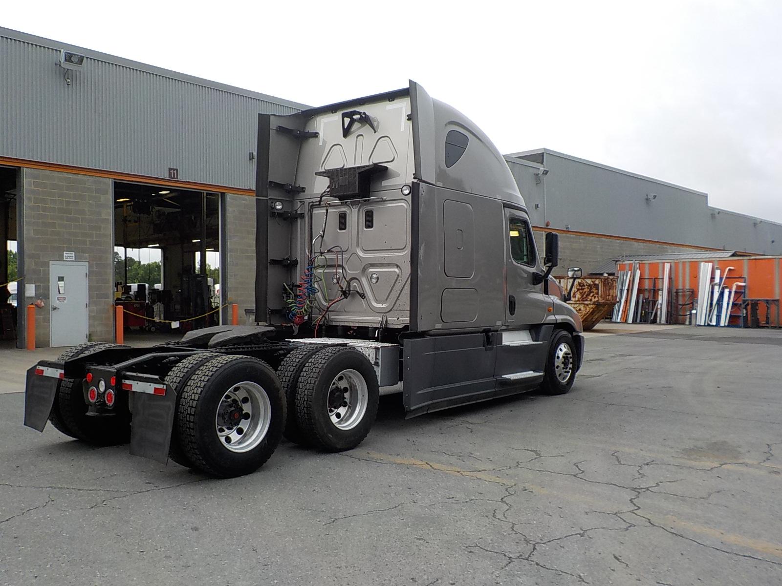 2015 Freightliner Cascadia for sale-59264130
