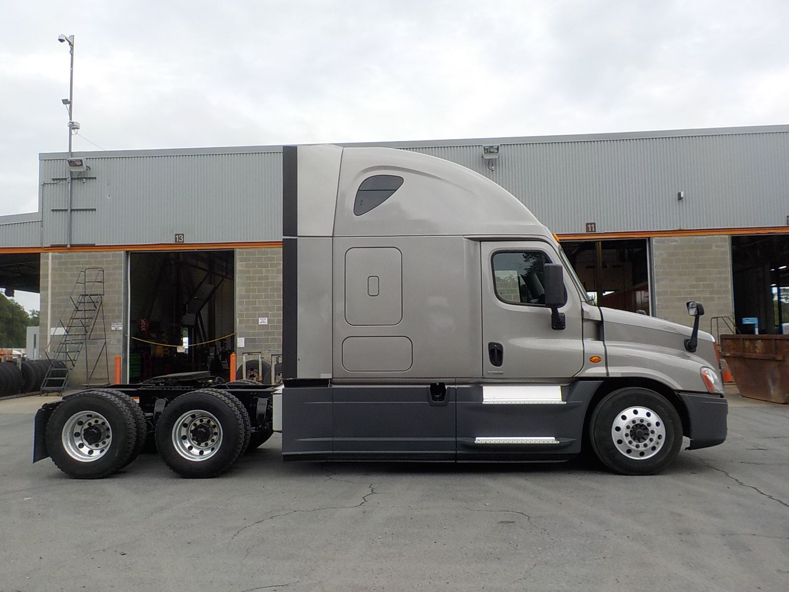 2015 Freightliner Cascadia for sale-59218952