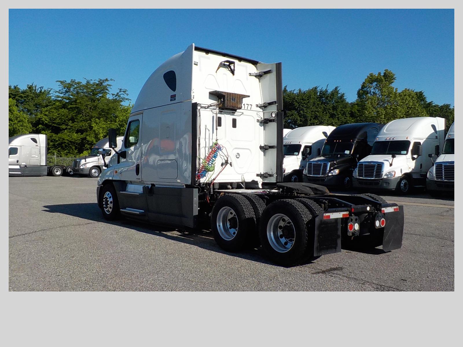 2015 Freightliner Cascadia for sale-59275057