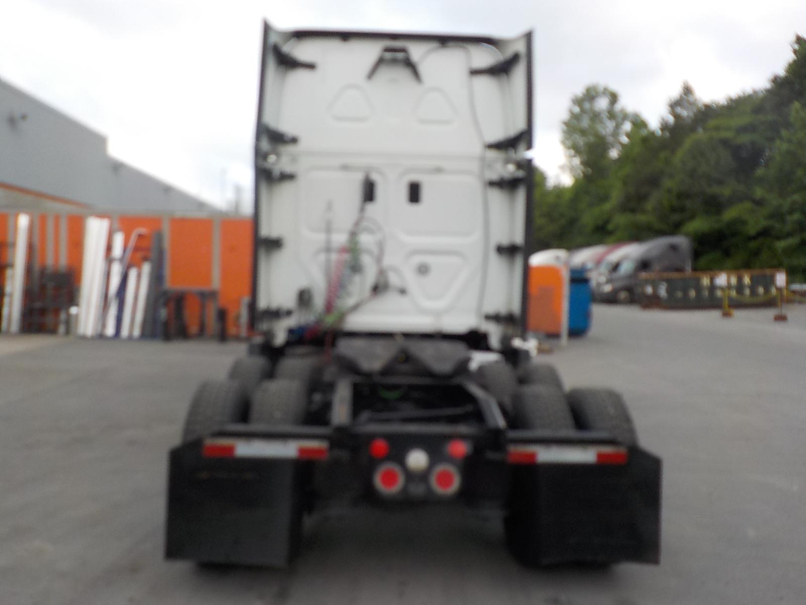 2015 Freightliner Cascadia for sale-59275089