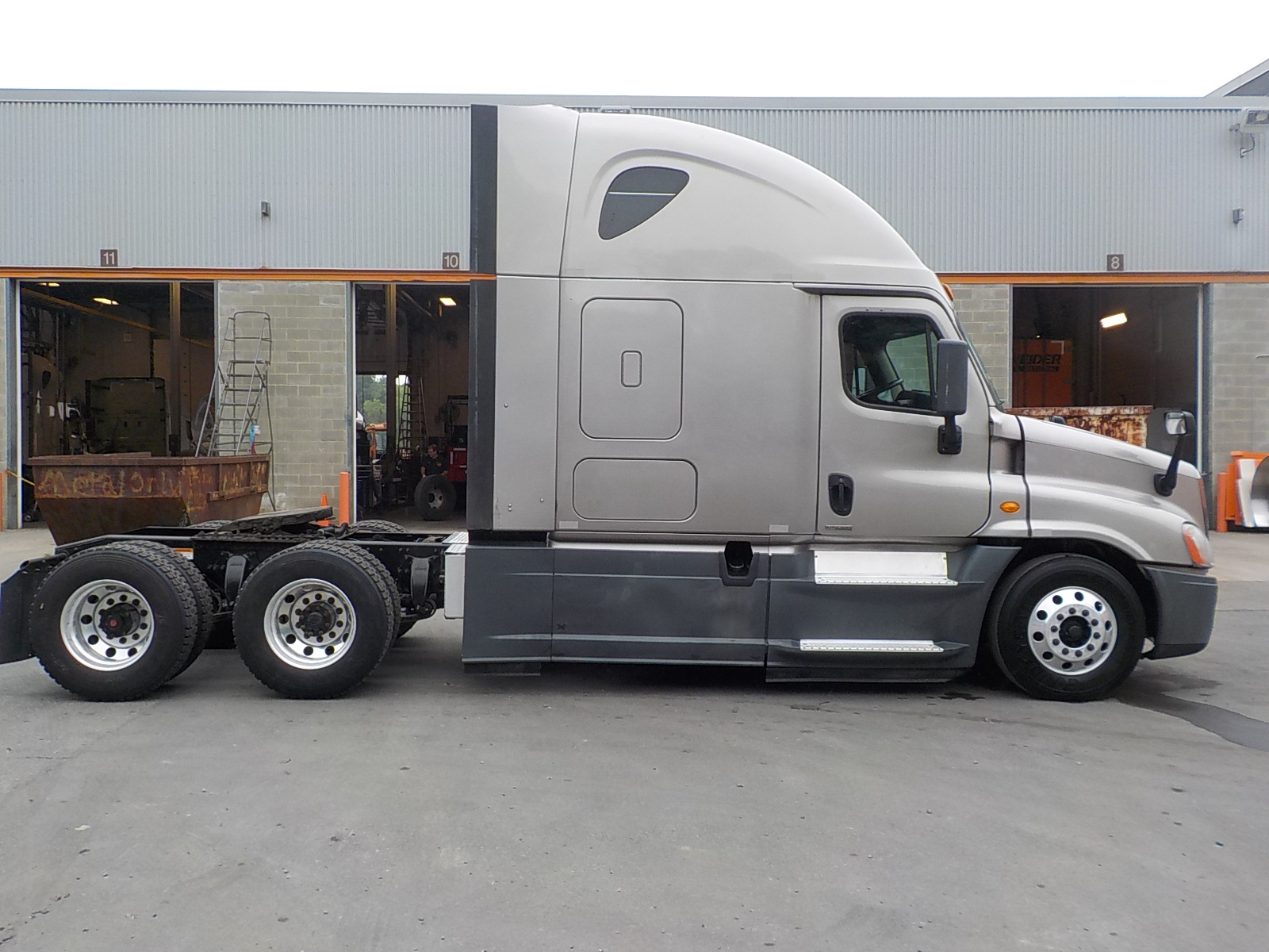 2014 Freightliner Cascadia for sale-59220439