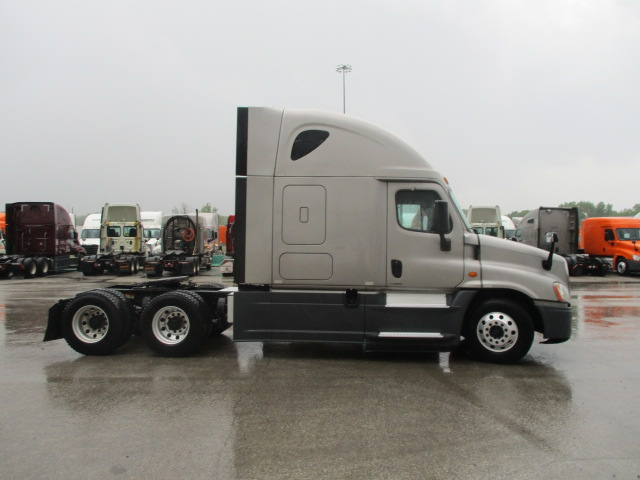 2015 Freightliner Cascadia for sale-59275133