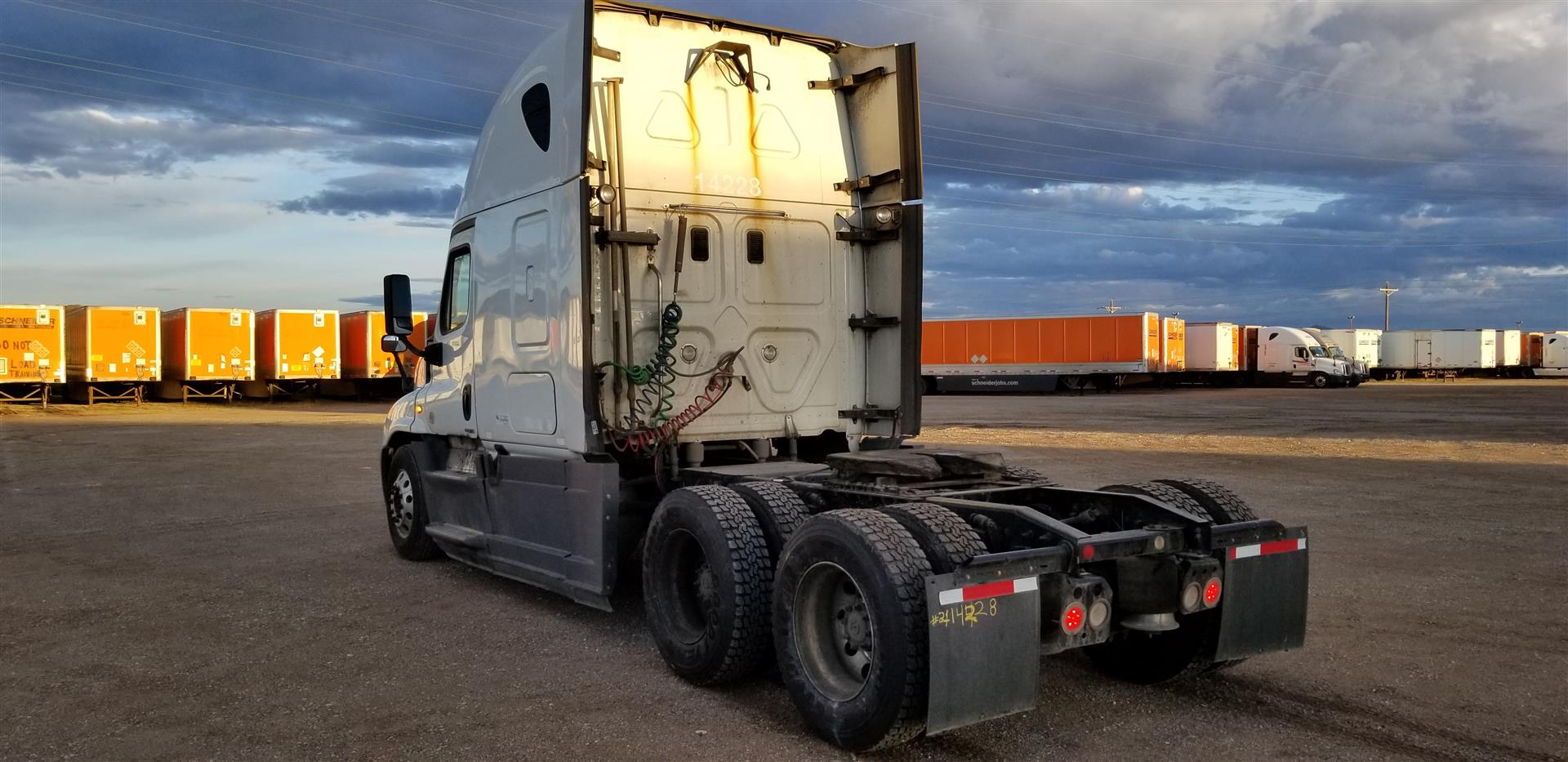 2015 Freightliner Cascadia for sale-59275134