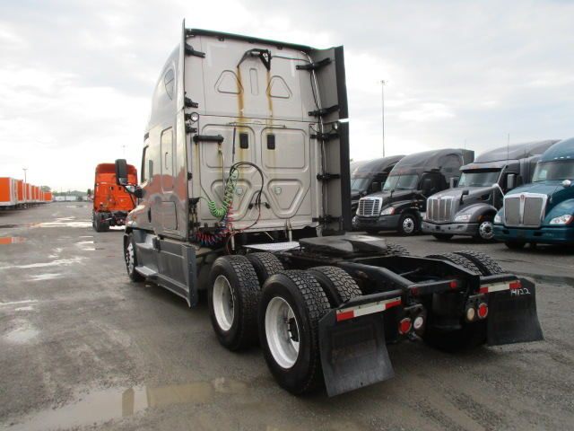 2015 Freightliner Cascadia for sale-59275135