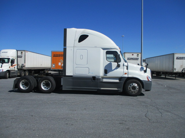 2015 Freightliner Cascadia for sale-59275136