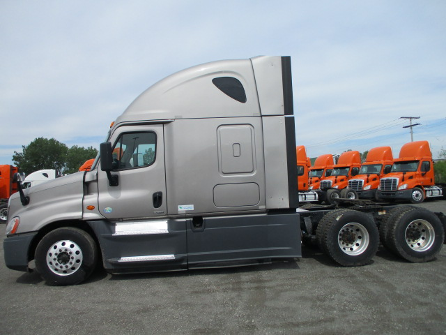 2015 Freightliner Cascadia for sale-59275151