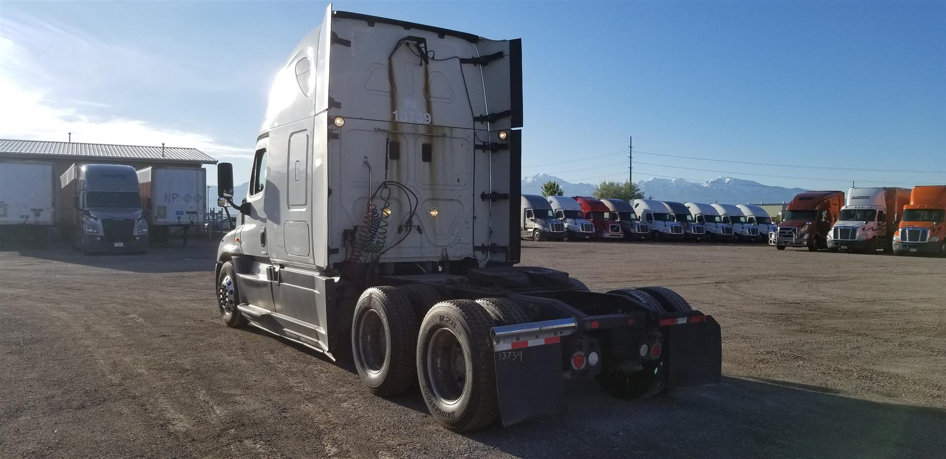 2015 Freightliner Cascadia for sale-59275175
