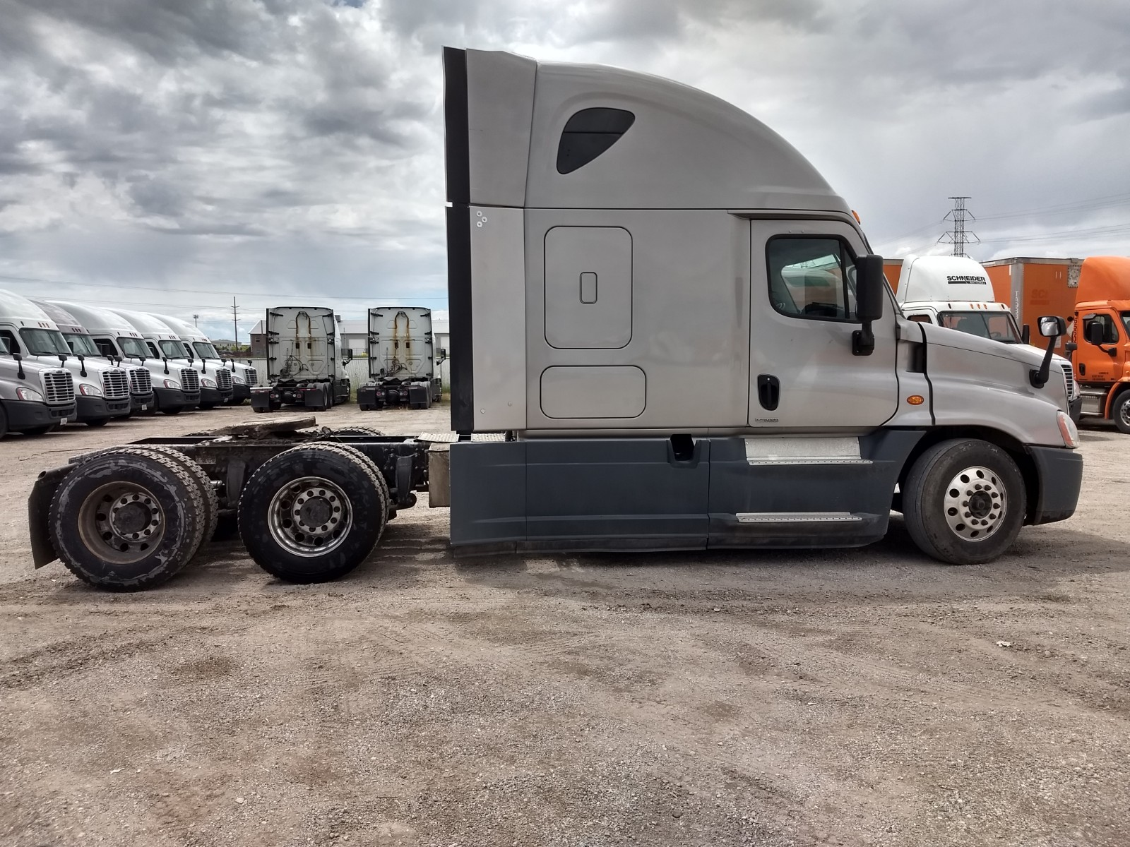 2015 Freightliner Cascadia for sale-59233856