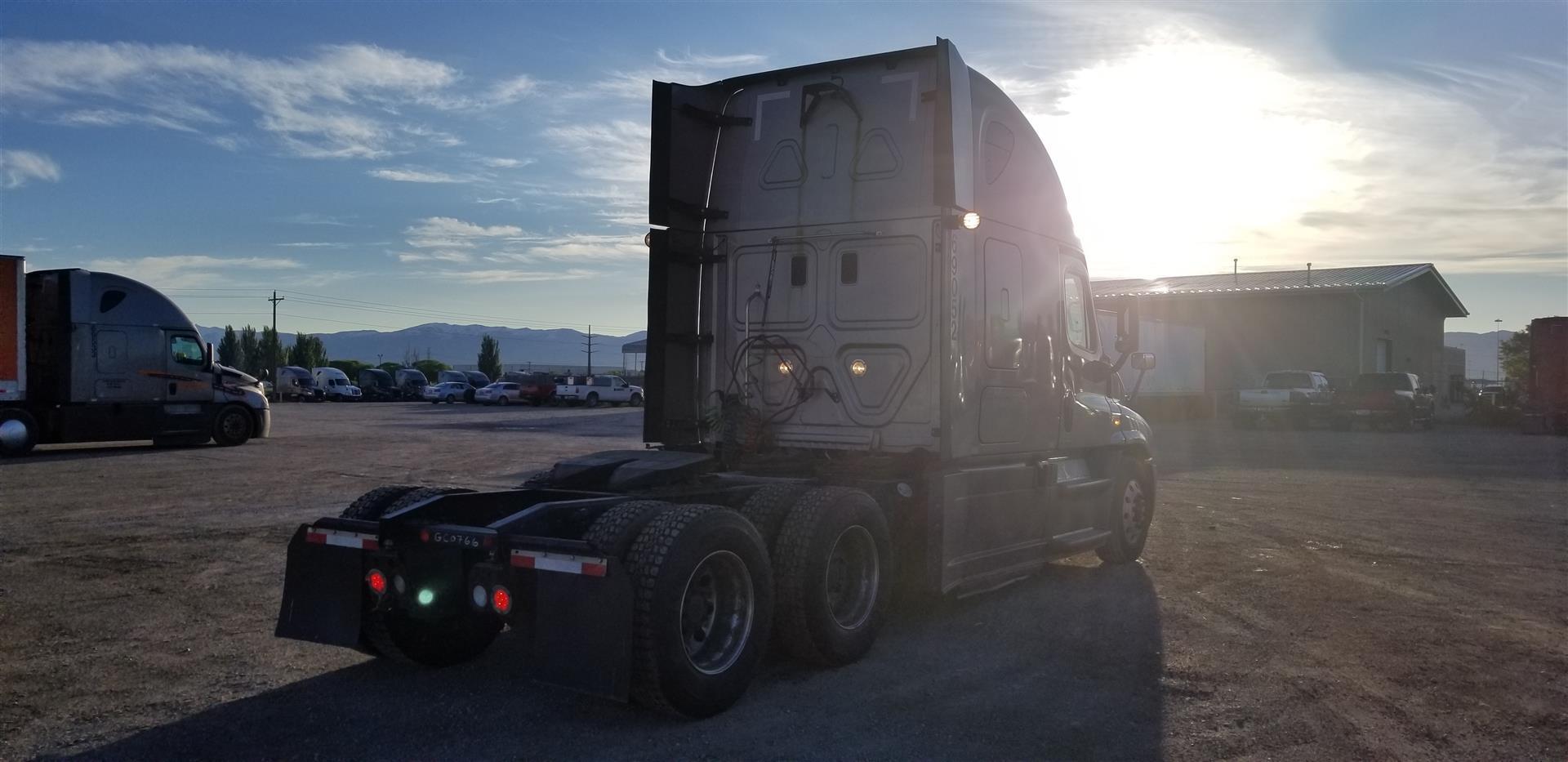 2015 Freightliner Cascadia for sale-59228020