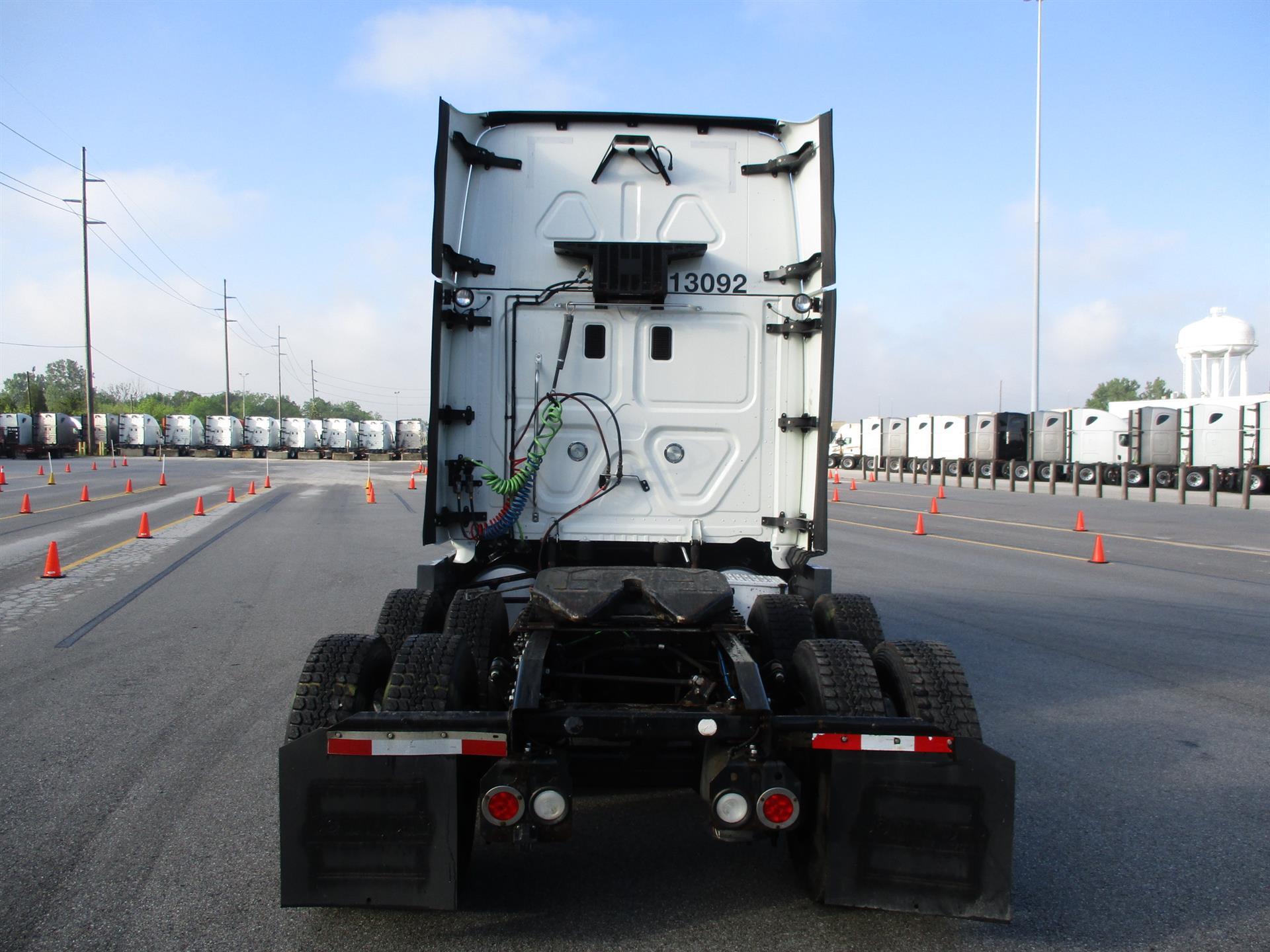 2015 Freightliner Cascadia for sale-59275179