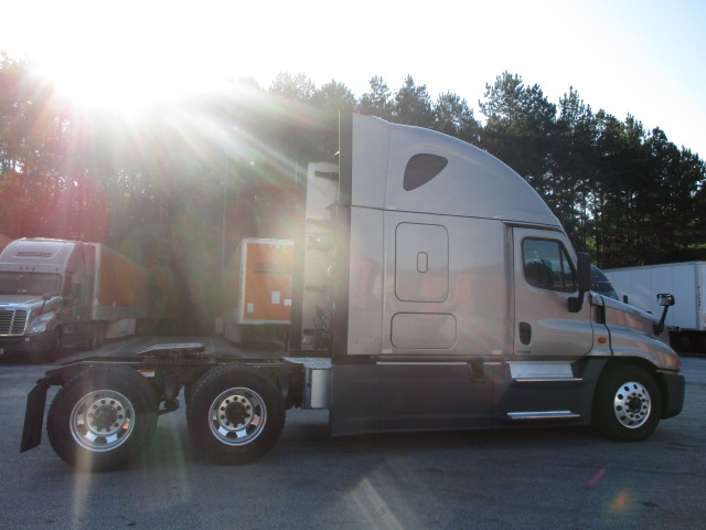 2015 Freightliner Cascadia for sale-59276884