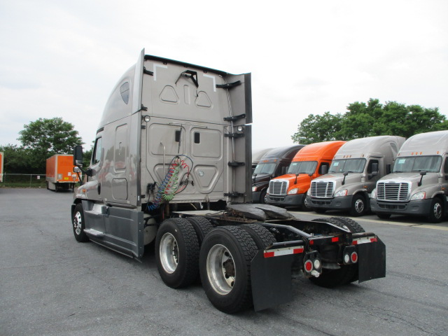 2015 Freightliner Cascadia for sale-59233218