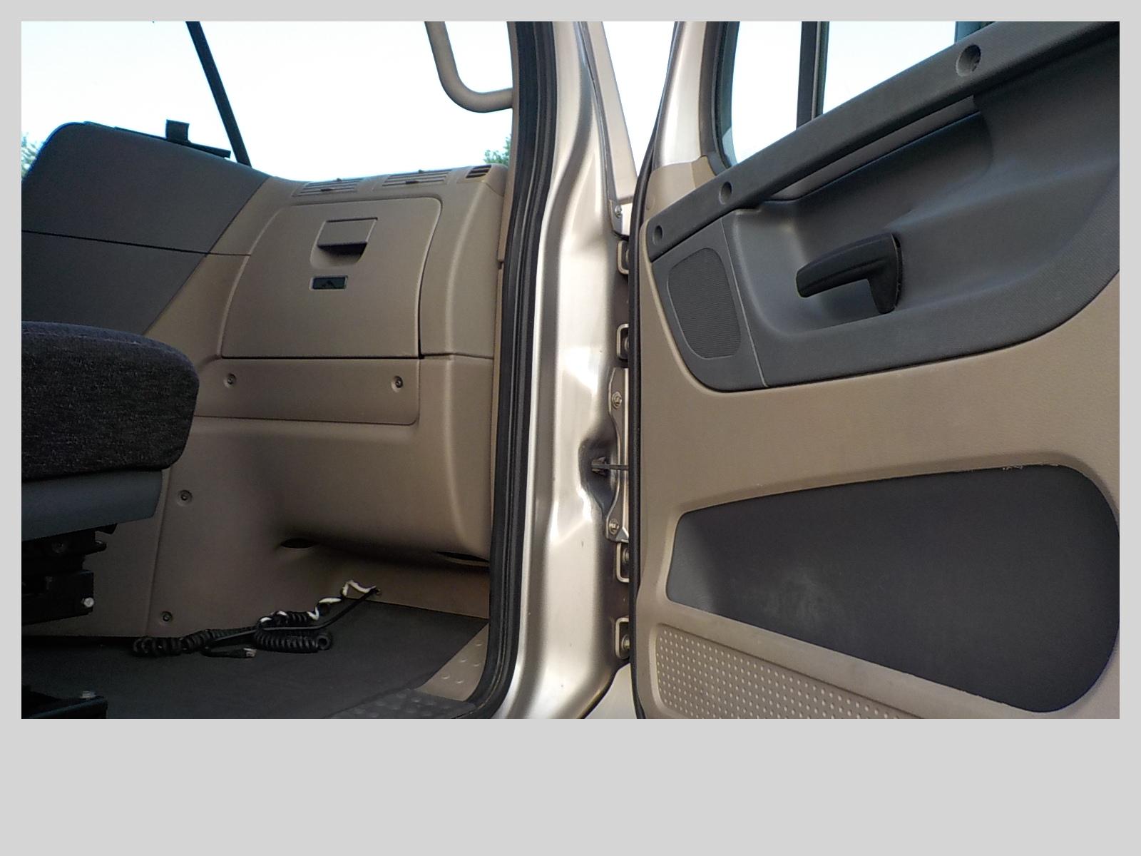 2014 Freightliner Cascadia for sale-59275235
