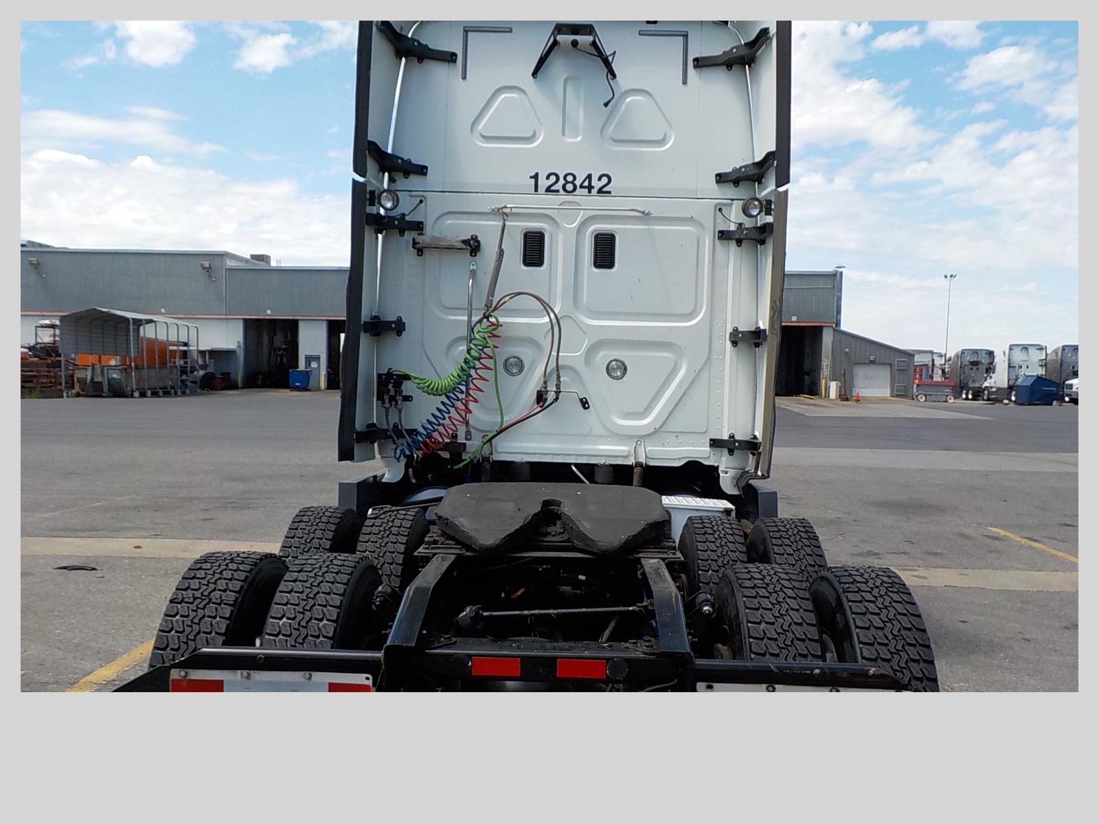2014 Freightliner Cascadia for sale-59275244