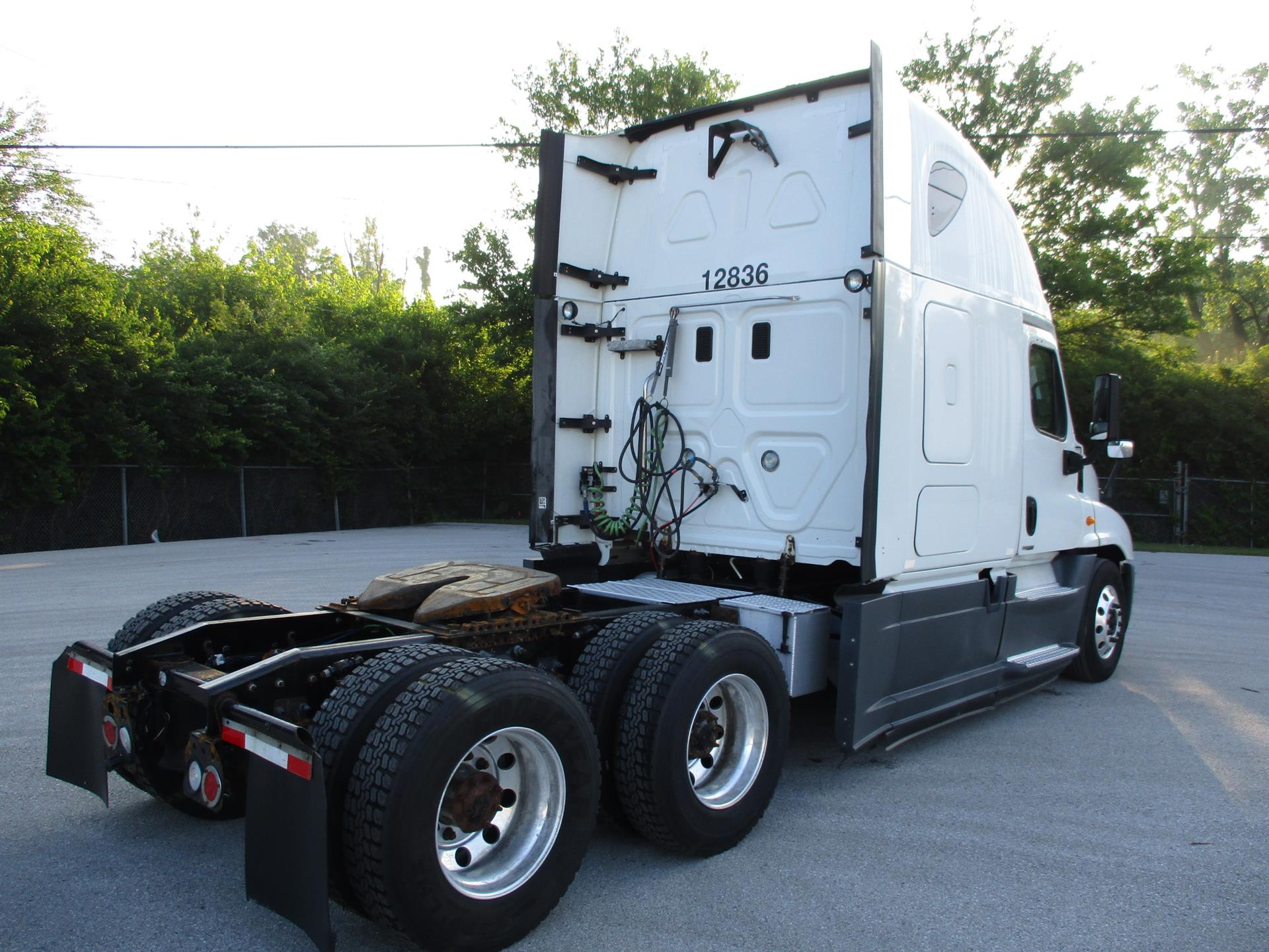 2014 Freightliner Cascadia for sale-59275312