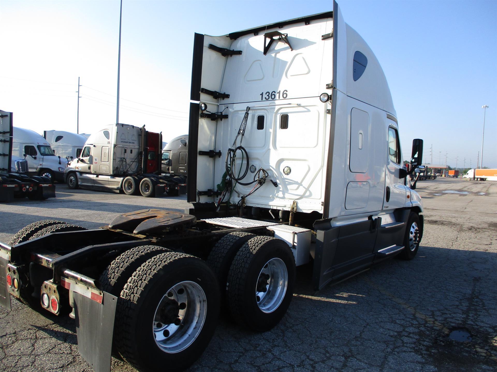 2015 Freightliner Cascadia for sale-59276554