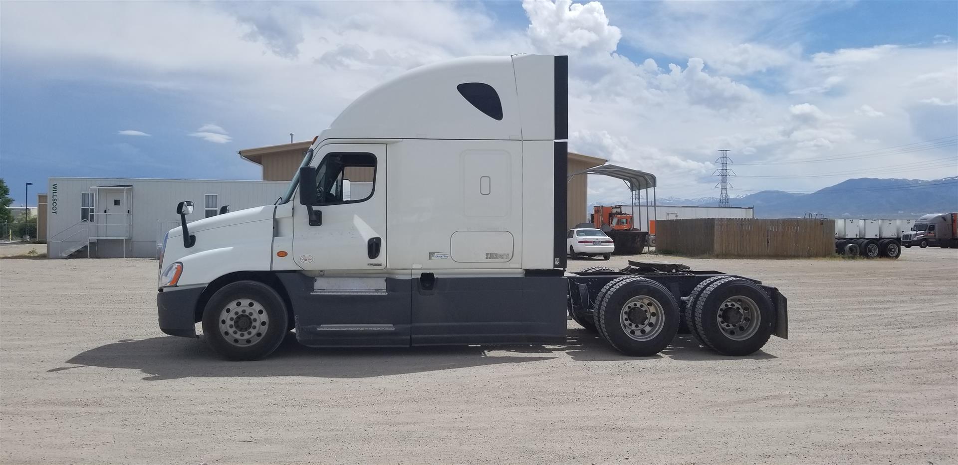 2015 Freightliner Cascadia for sale-59275187