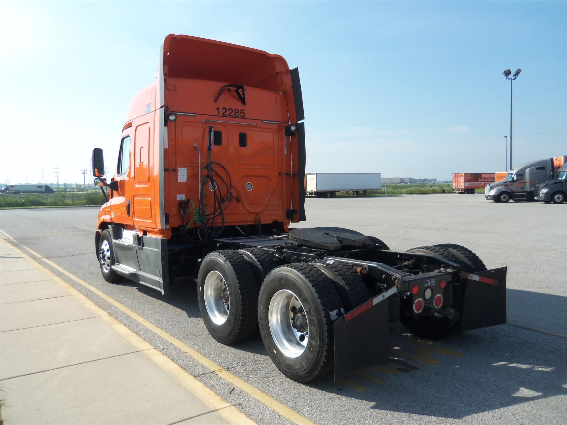 2014 Freightliner Cascadia for sale-59264426