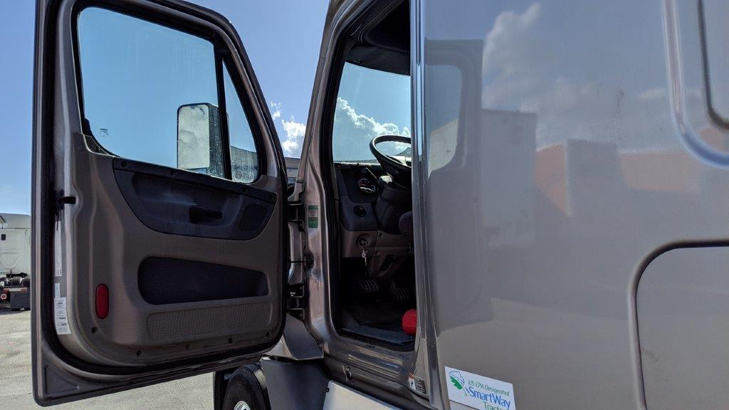 2015 Freightliner Cascadia for sale-59276611
