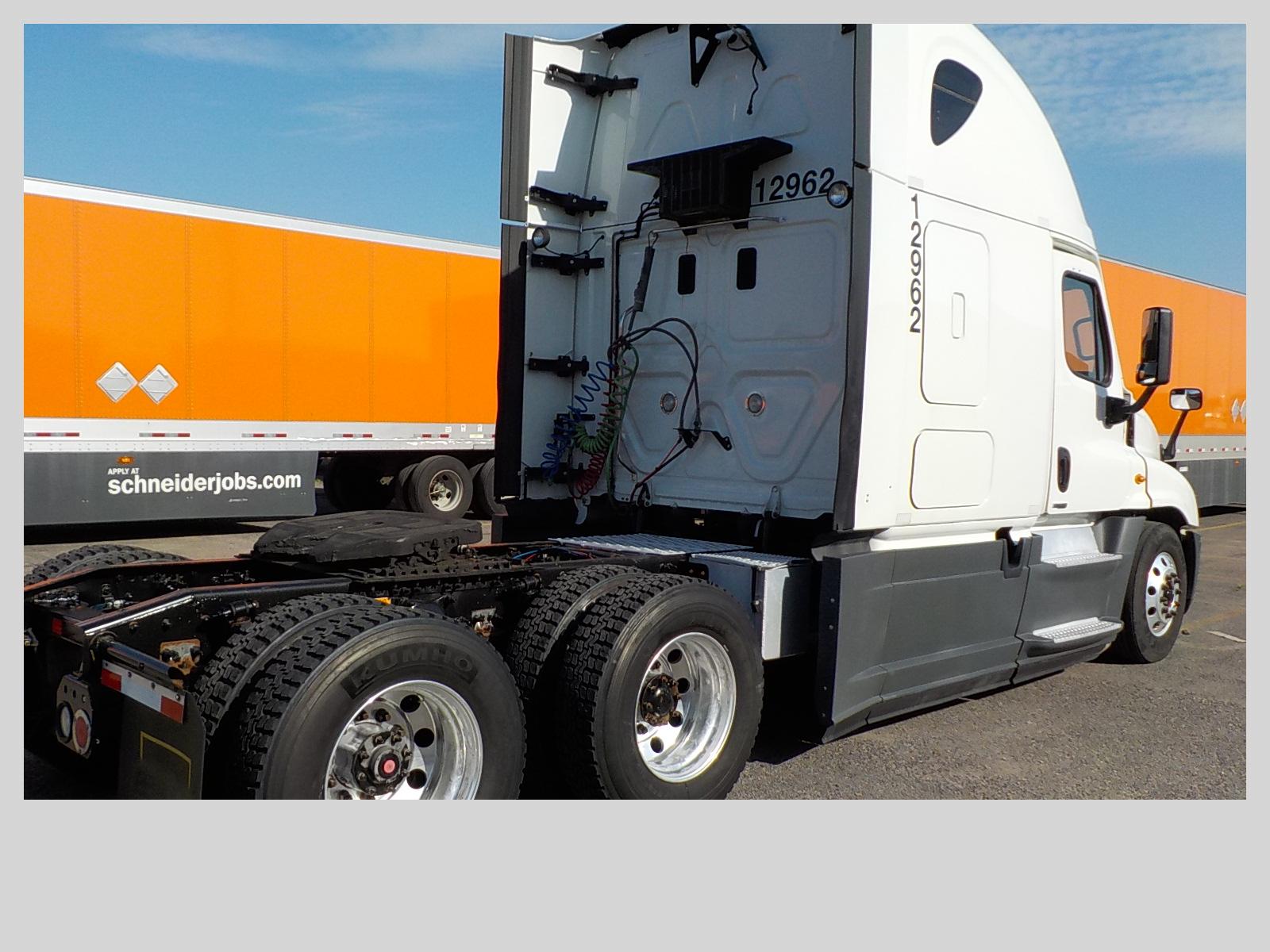 2015 Freightliner Cascadia for sale-59276890