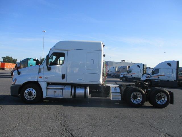 2015 Freightliner Cascadia for sale-59276896