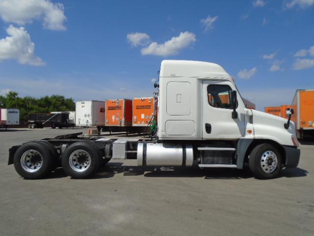 2015 Freightliner Cascadia for sale-59275442