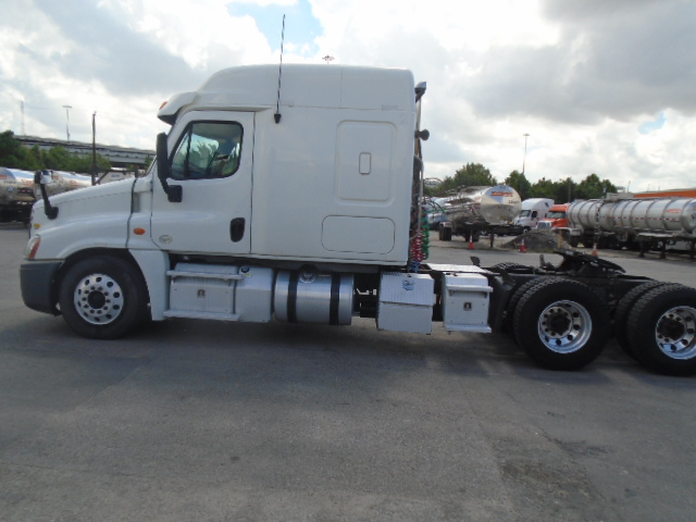 2013 Freightliner Cascadia for sale-59265615