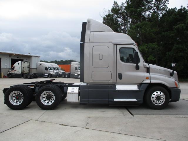 2015 Freightliner Cascadia for sale-59276904