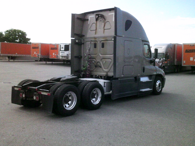 2015 Freightliner Cascadia for sale-59275465