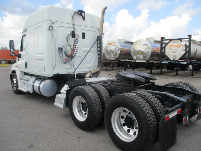 2015 Freightliner Cascadia for sale-59276945