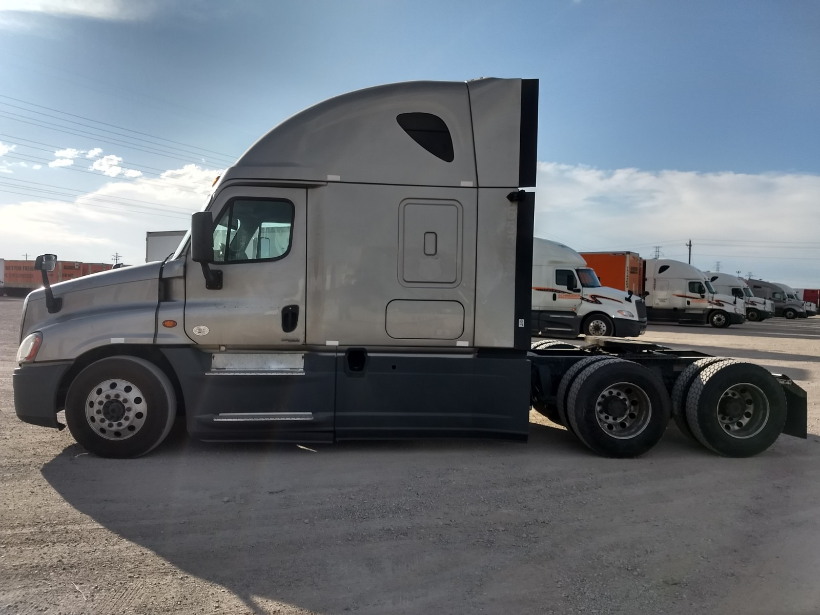 2015 Freightliner Cascadia for sale-59292411