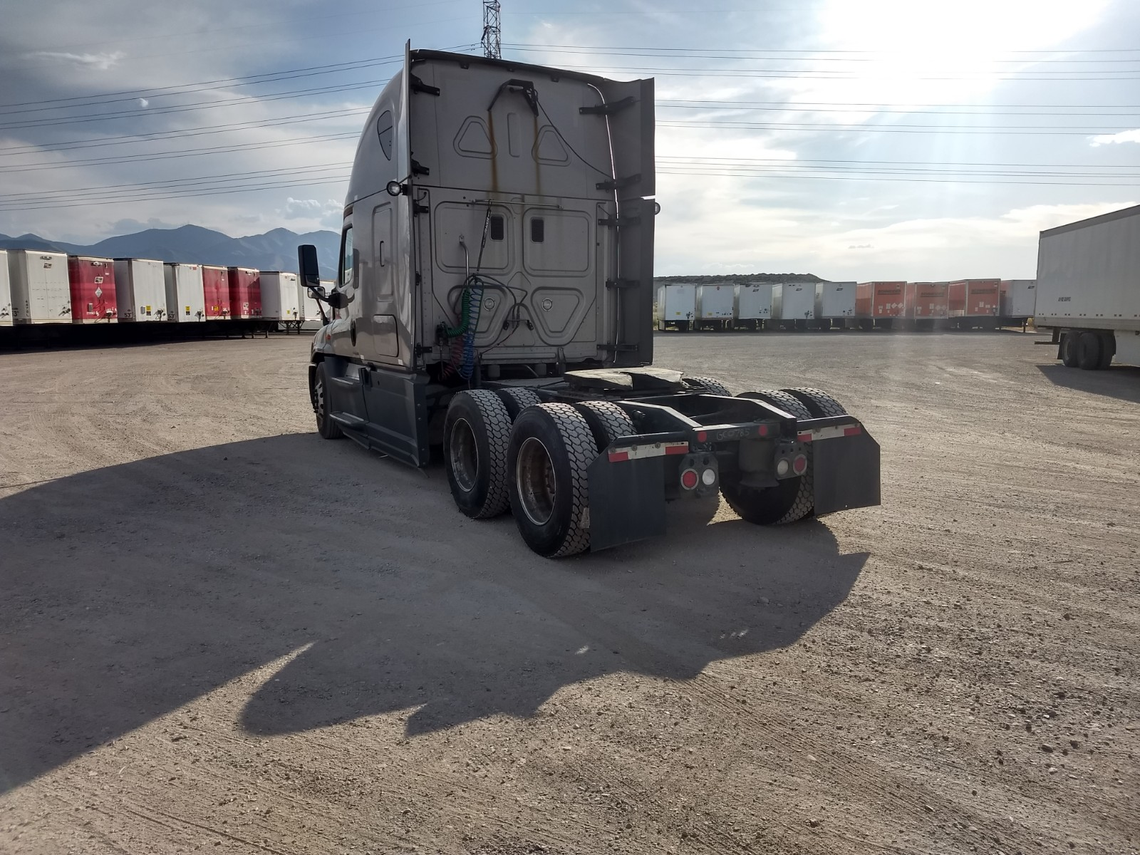 2015 Freightliner Cascadia for sale-59275545