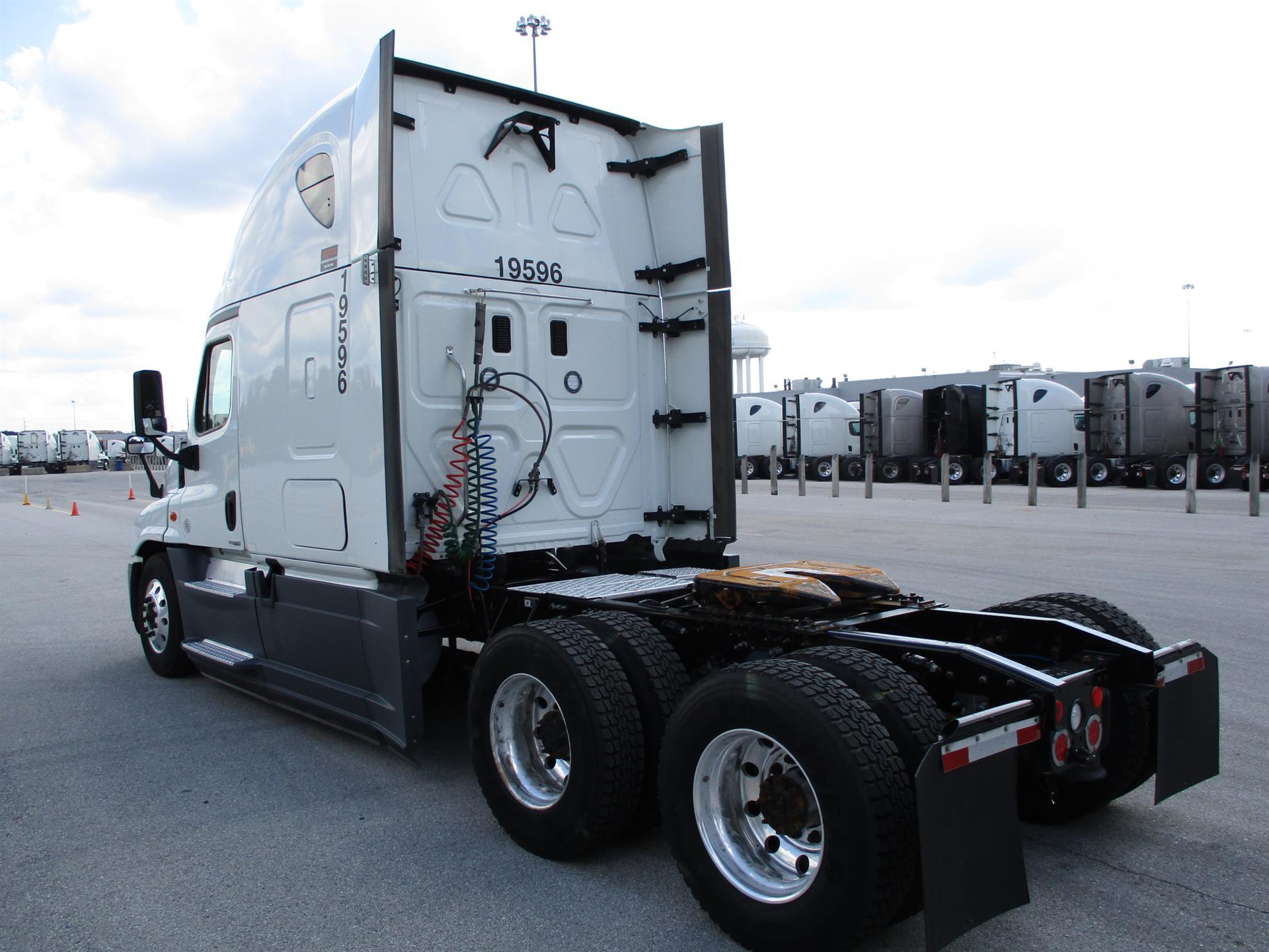 2016 Freightliner Cascadia for sale-59276979