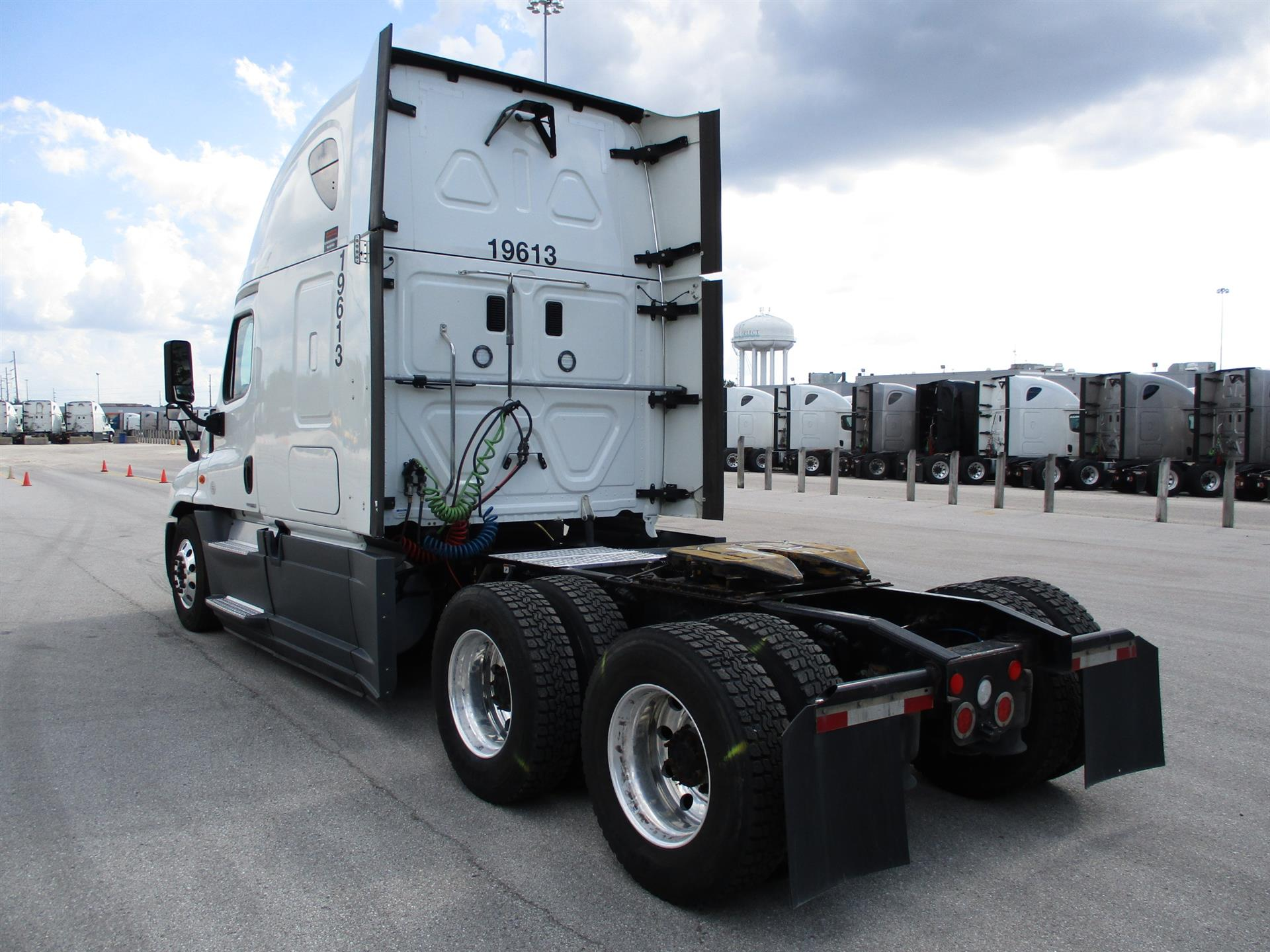 2016 Freightliner Cascadia for sale-59276981