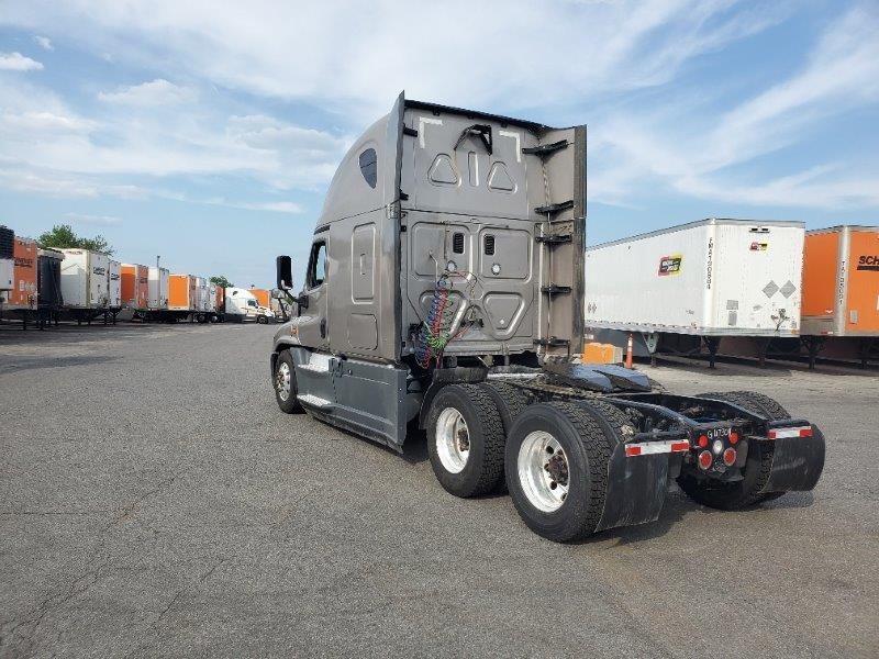 2016 Freightliner Cascadia for sale-59275563