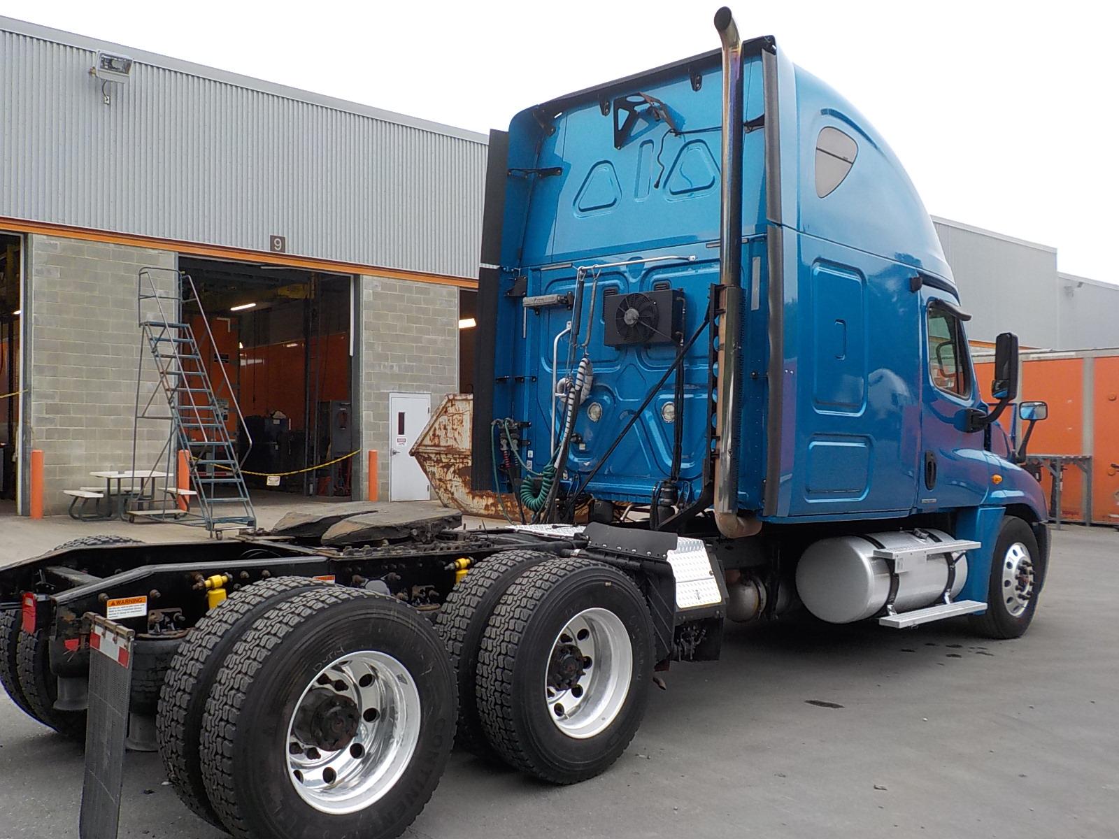 2010 Freightliner Cascadia for sale-59275568