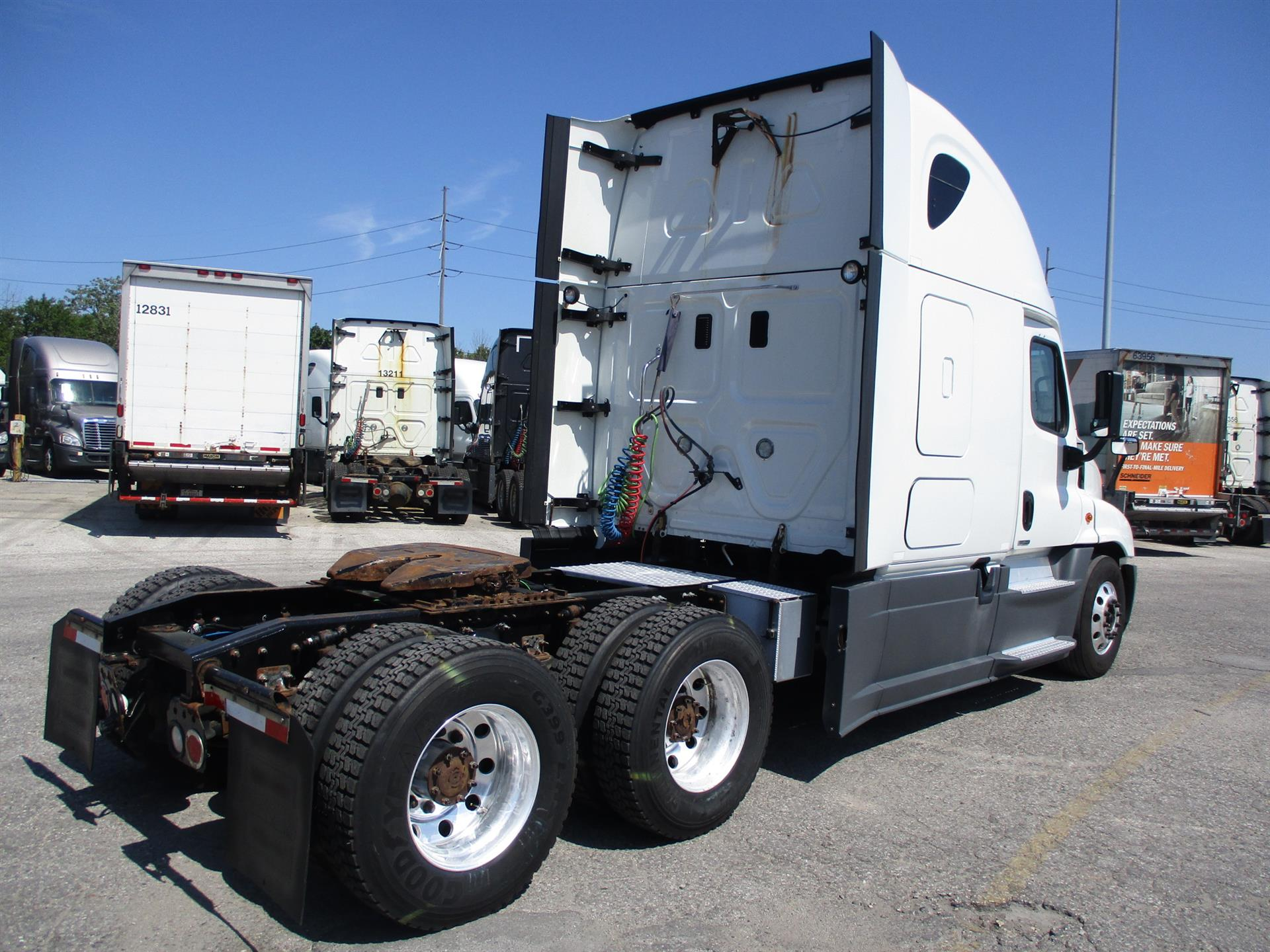 2015 Freightliner Cascadia for sale-59277011