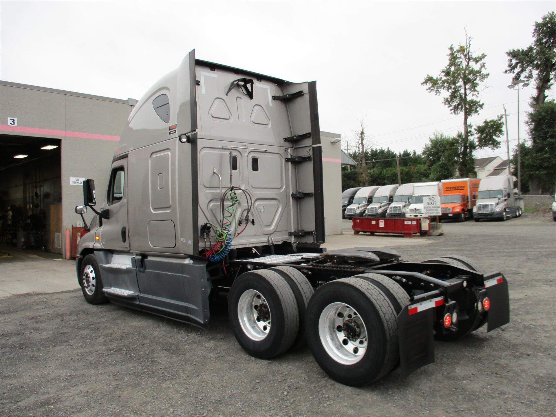 2015 Freightliner Cascadia for sale-59276988
