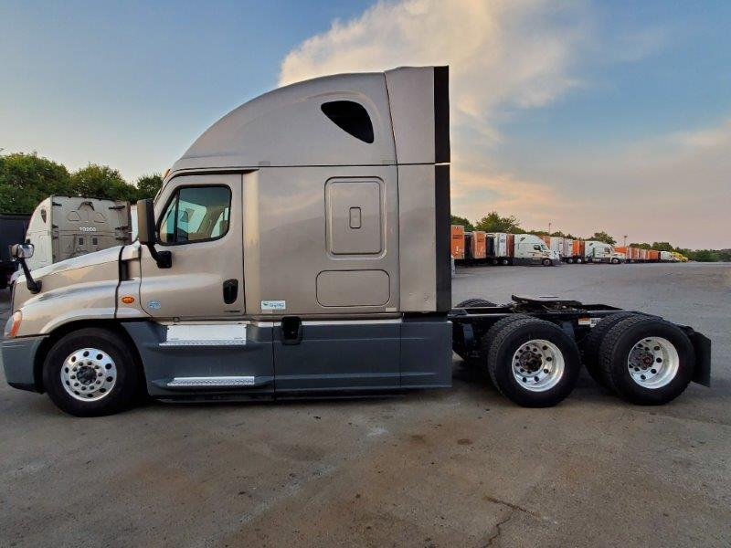 2015 Freightliner Cascadia for sale-59276992