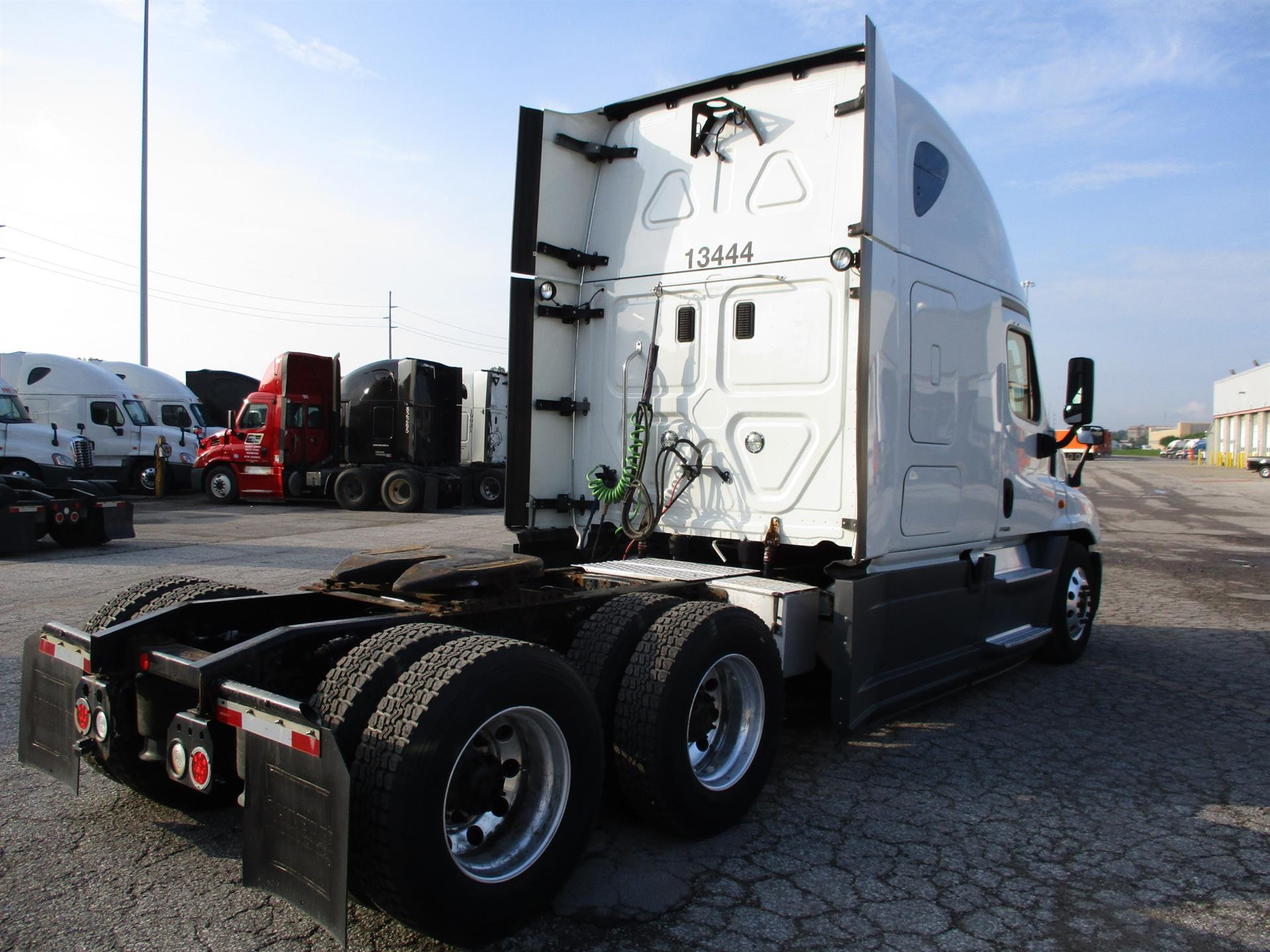 2015 Freightliner Cascadia for sale-59283254