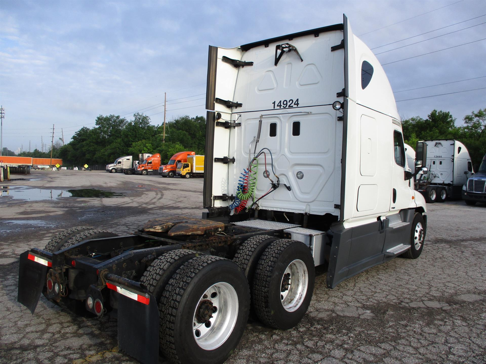 2015 Freightliner Cascadia for sale-59283255