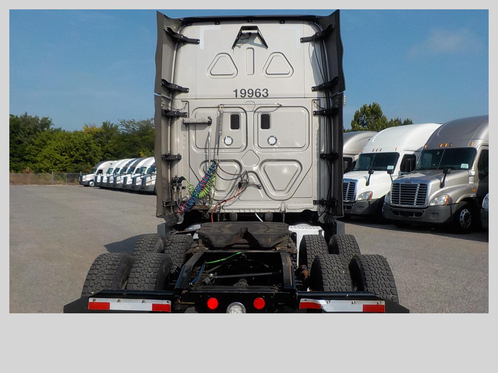 2016 Freightliner Cascadia for sale-59289264