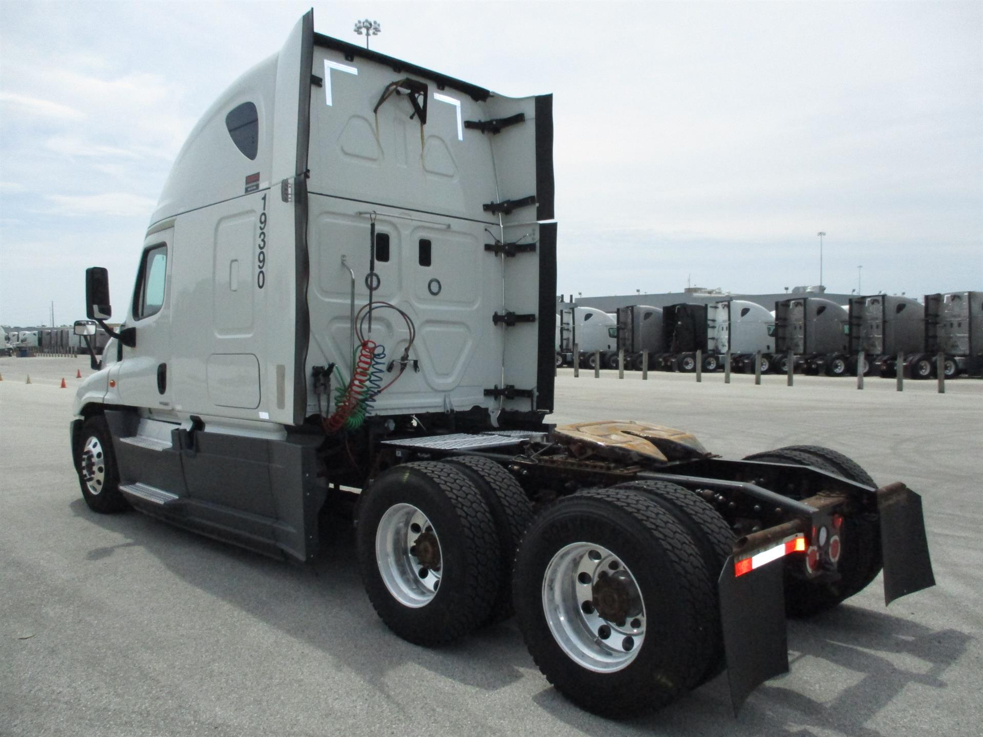 2016 Freightliner Cascadia for sale-59289928
