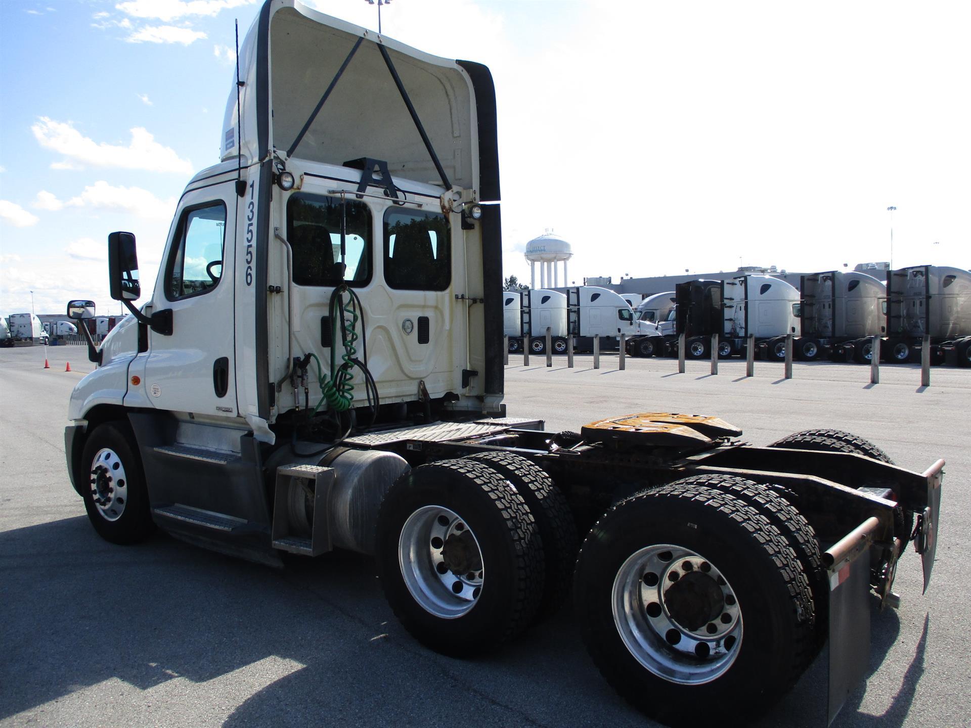 2015 Freightliner Cascadia for sale-59290919