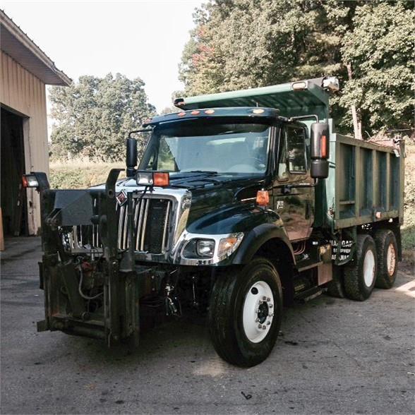 2005 International 7400 SFA Plow - Spreader Truck