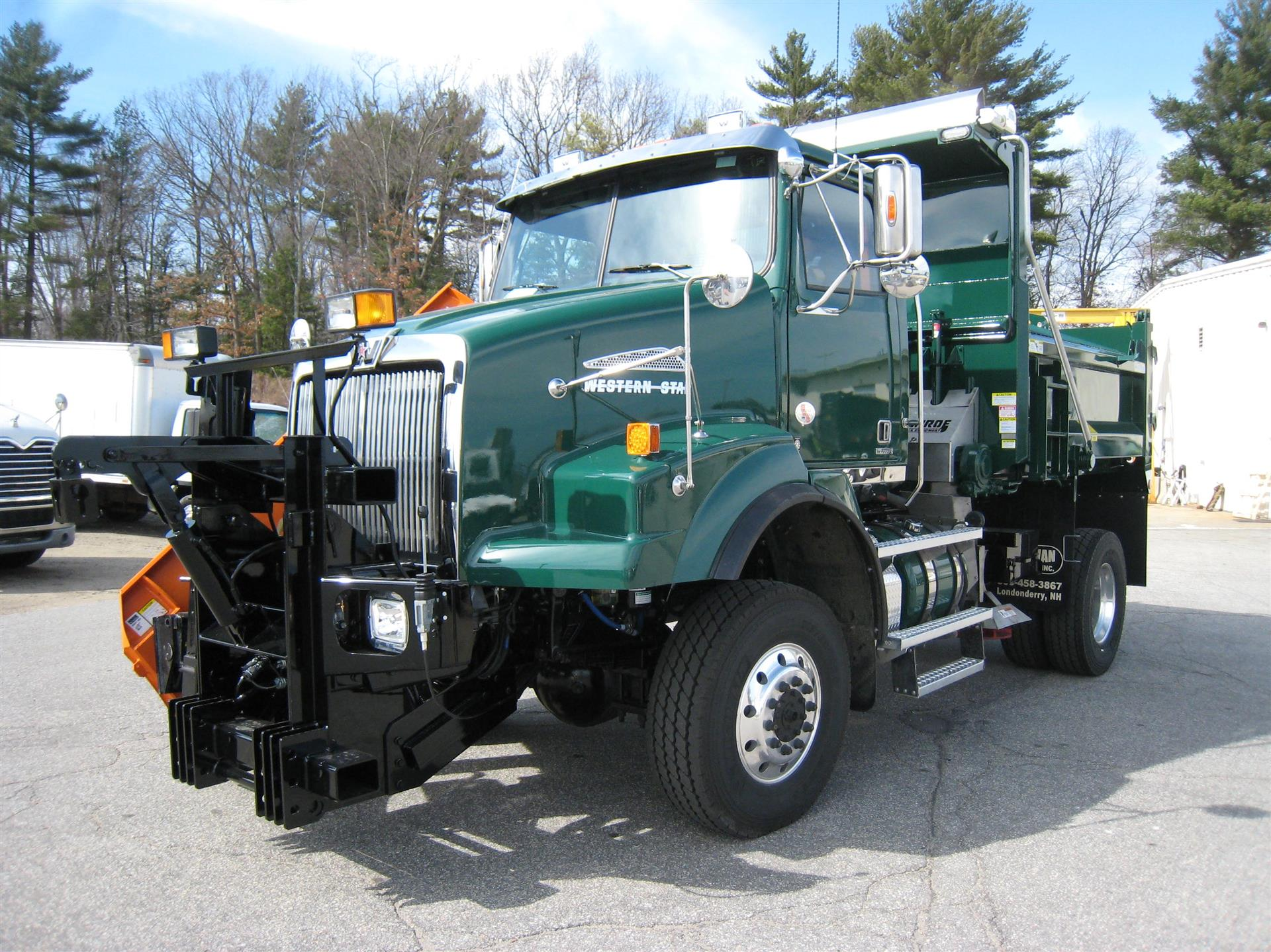 2016 Western Star 4800SB Cab Chassis Truck