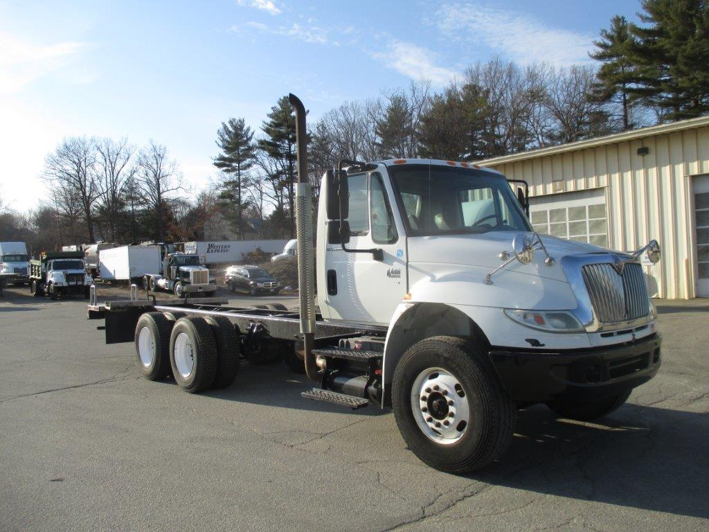2007 International 4400SBA Cab Chassis Truck