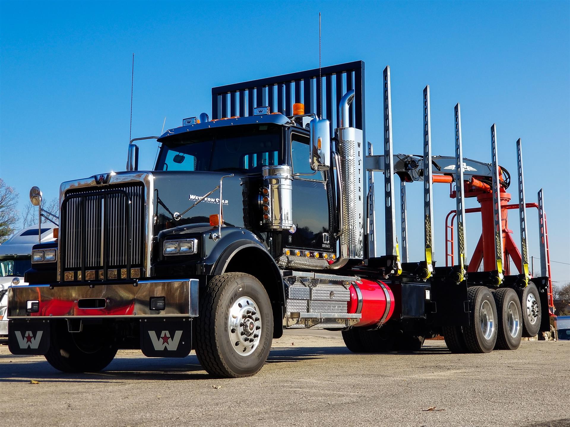 2018 Western Star 4900SF Vocational Truck